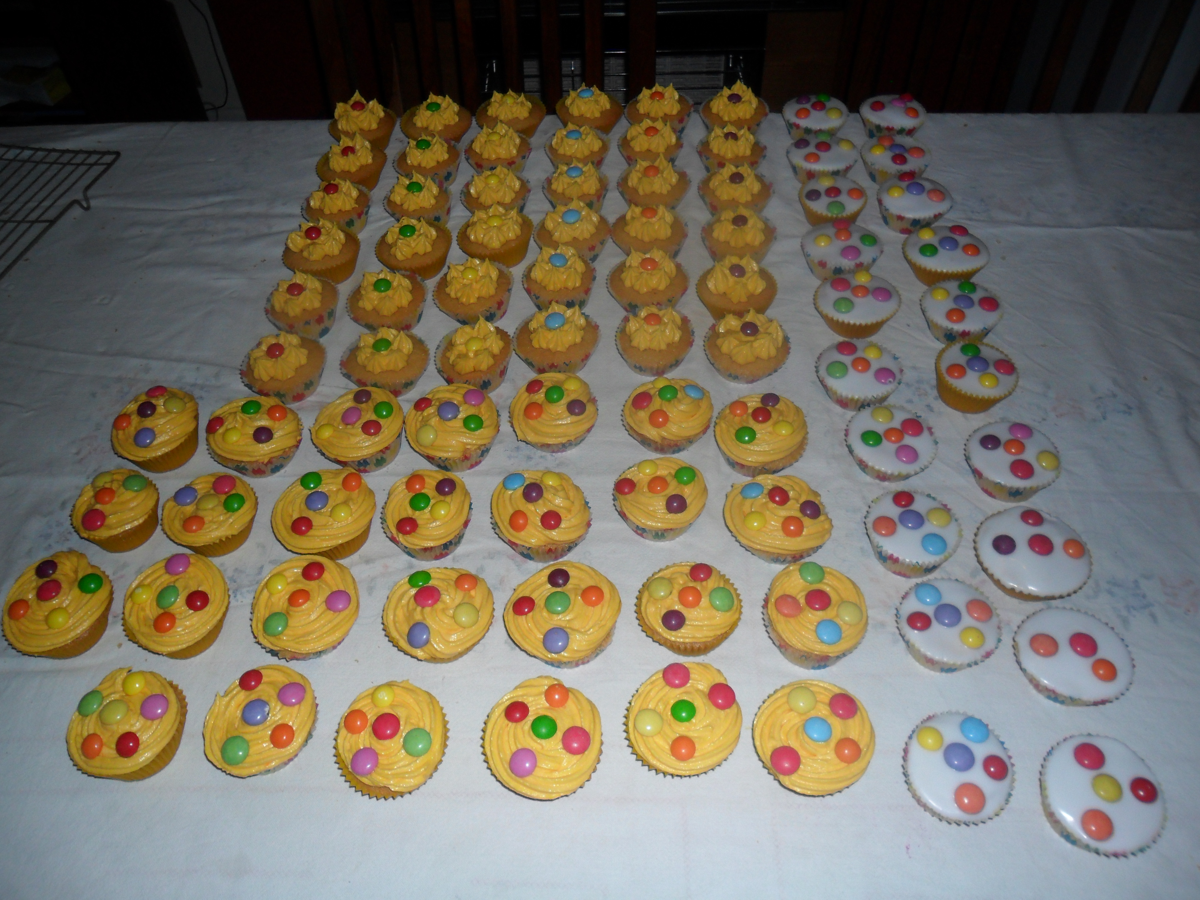Decorating Cup Cakes, A Buttercream Frosting Recipe, And ...